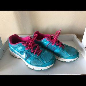 Ladies sneakers Nike